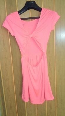 Sprzedam sukienkę firmy Tal...