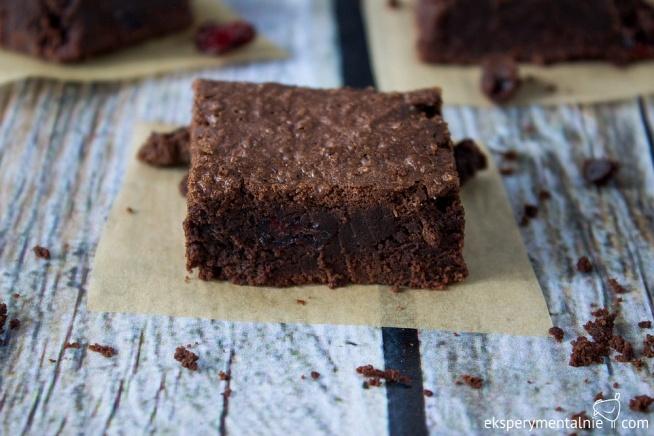 Brownie bezglutenowe z żurawiną - idealne ciasto
