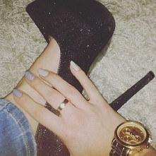 szpilki, wysokie obcasy, złoto, brokat,  paznokcie, moje pomysły