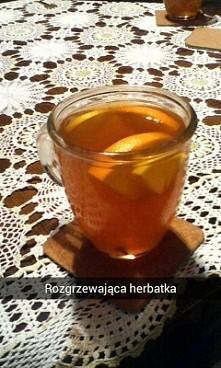 herbatka z pomarancza, cytryna, miodem i gozdzikiem. idealna na chlodne dni