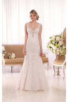 Elegant sweetheart A-line lace wedding gown Essense of Australia Wedding Dres...