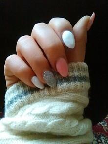 Biało-różowo-srebrne.  Deli...