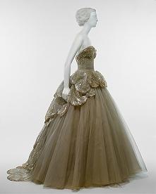 """Dior, model """"Venus"""", 1949-50"""