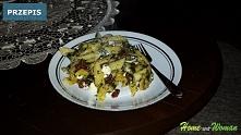 Makaron ze szpinakiem i suszonymi pomidorami oraz serem feta! Pychotka na widelcu. Łatwo i szybko czyli dla każdego :) Przepis po kliknięciu na zdjęcie!