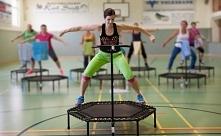 KORZYŚCI Z UPRAWIANIA JUMPING FITNESS ❤️  Skoki na trampolinie (jumping fitne...