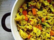 WARZYWA CURRY  Kurkuma, imbir, pieprz czarny, kolendra, chlli, kmin rzymski, gorczyca, cynamon, czosnek  – to tylko niektóre ze składników tworzących curry. Ta pochodząca ze Sri...