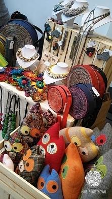 piórniki, torebki, biżuteria, maskoty, broszki.... idealne na prezenty dla najbliższych :) zapraszam :)bukietkowo@gmail.com