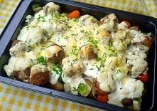 zapiekanka warzywna z klopsikami i sosem serowym Taka zapiekanka z młodych warzyw to syty i zdrowy posiłek dla całej rodziny. Często przygotowuję ją na obiad lub ciepłą kolację....