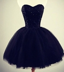 Cuudna sukienka na sprzedaż, chętne pisać ;> cena 150zł