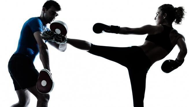 Czy wiesz, że ... Cardio Kick Boxing spala 500 kcal podczas godzinnego treningu ?  Zajęcia kick boxing, szkoły sztuk walki wyszukasz w naszym serwisie FitPlanner.