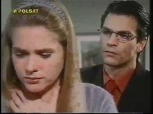 Cud miłości (2000)  Jose Antonio Echevarria (Roberto Mateos) jako mały chłopiec był świadkiem tragedii - bandyci wynajęci przez ród De La Torre napadli na jego dom i wymordowali...