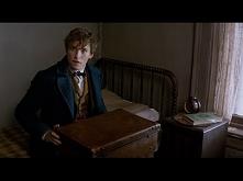 Fantastic Beasts and Where to Find Them - Announcement Trailer [HD]  Świeżuteńki ,pierwszy zwiastun Fantastycznych stworzeń.Jak wam się podoba?, bo mi bardzo,poczułam tą magię :D
