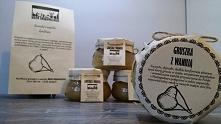 Ruszamy z ofertą na smaczne prezenty Świąteczne Kramu Smakowitości, producenta ekologicznych i zdrowych specjałów, wytwarzanych w tradycyjny sposób bez używania konserwantów, wy...