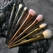 Real Techniques Dupes