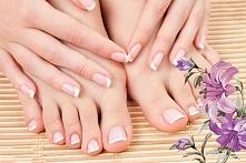 Domowe sposoby na piekne stopy i wzmocnione paznokcie. Czego chcieć więcej?
