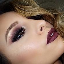 Śliczne makijaże oka na wieczór > cienie śliwka