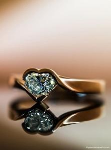 piękny - zaręczynowy :)