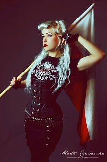 Model: Silverrr corset snow...