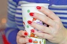 Klasyczna czerwień to odcień, który najchętniej noszę na paznokciach w grudniu. W te Święta stawiam na My Love od Semilac! Na blogu możecie go zobaczyć w całej okazałości :) mad...