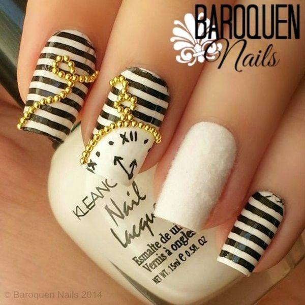Sylwestrowy manicure z zegarem