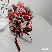 Mój urodzinowy torcik :) robiony przez mojego kochanego chlopaka
