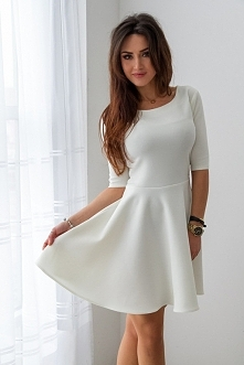 Śliczna biała sukienka