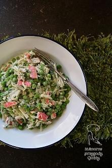 Sałatka z surimi i zielonym...