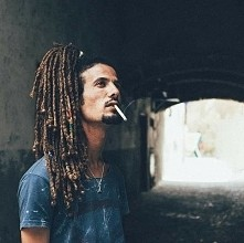 This man, yeah...  i have nothing To say. ONLY i can talk that i Fall in love with this dreadlock