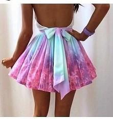 urocza sukienka :)