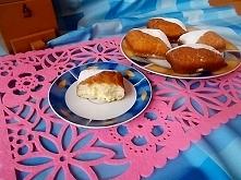 Mamy karnawał, a więc smażymy pączki, moje są z ziemniaków. Pyszne, delikatne i wilgotne.
