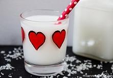 Domowe mleko kokosowe - prosty i szybki przepis na mleko weganskie, które jest przepyszne!