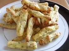 Zdrowe frytki 2 średnie ziemniaki 1 łyżka jogurtu naturalnego dużo przypraw (...