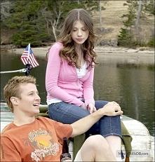 Skok do wody(2005) Carrie i Mike są szczęśliwi. Zawsze postrzegani jako niero...