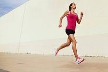 15 SPOSOBÓW NA RUCH W ZAPRACOWANY DZIEŃ!  Wiele osób rezygnuje z treningów w dni, w które mają zbyt wiele pracy. Istnieją jednak ćwiczenia, które możesz wykonywać nawet wtedy! P...