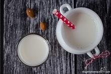 Domowe mleko migdałowe  100 g migdałów 3 szklanki wody szczypta soli ewentualnie stewia