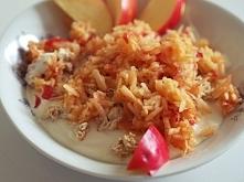 Coś na zdrowe śniadanie.  SKŁADNIKI:- chudy twaróg (około 100 g) -olej lniany, 2-3 łyżki -jogurt naturalny (połowa małego jogurtu) -miód, 1 łyżka -płatki owsiane -jabłk0 -cytryn...