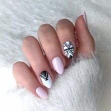 Moje hybrydy w połączeniu z nowym kolorkiem semilac 128 pink marshmallow :) Więcej pazurków znajdziecie na moim instagramie pod nazwą cath_nails :)