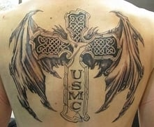 krzyż ze skrzydłami