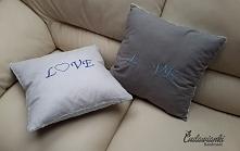 szare i niebieskie poduszki LOVE kontakt@cudawianki.net.pl