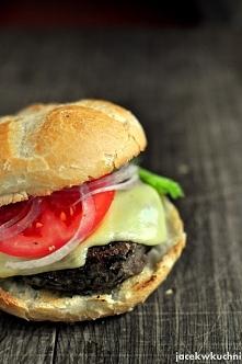 wegetariańskie burgery z czarnej fasoli mniam! - pyszny przepis po kliknięciu...
