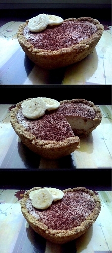 KOKOSOWO-DAKTYLOWA TARTALETKA BEZ PIECZENIA NADZIANA BANANOWYM SERKIEM I MASŁEM ORZECHOWYM   Przepis:  SPÓD: 30g mąki kokosowej 20g mąki gryczanej (zmielona kasza gryczana niepa...