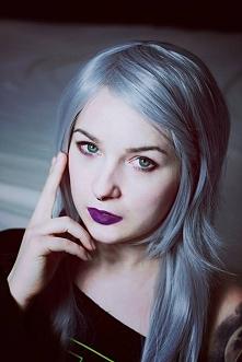 Modelka Silver Wolfie, peru...