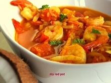 Curry z krewetkami, pomidorami i świeżym kokosem
