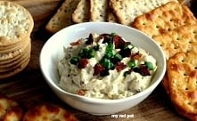 Zapiekana pasta z wędzonym serem i boczkiem. Świetny dip do krakersów lub pas...