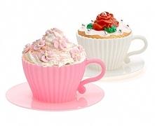 Potrzebujesz prezentu do 25 zł? Muffinkowe filiżanki to idealny prezent dla Babci, która kocha wypieki.