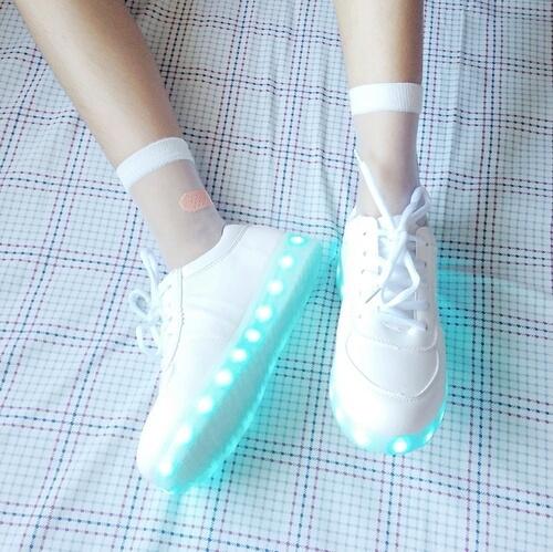świecące buty ....