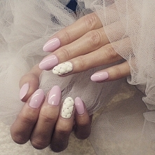 delikatny manicure :)