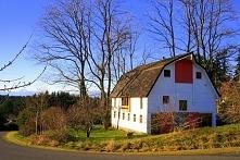Zobacz jak wygląda udana przebudowa starej 100-letniej stodoły w dom jednorod...