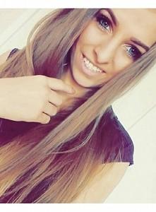 Selfie; ) Buziaki; **
