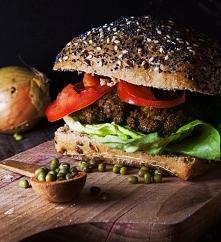 Hamburger wegetariański z f...